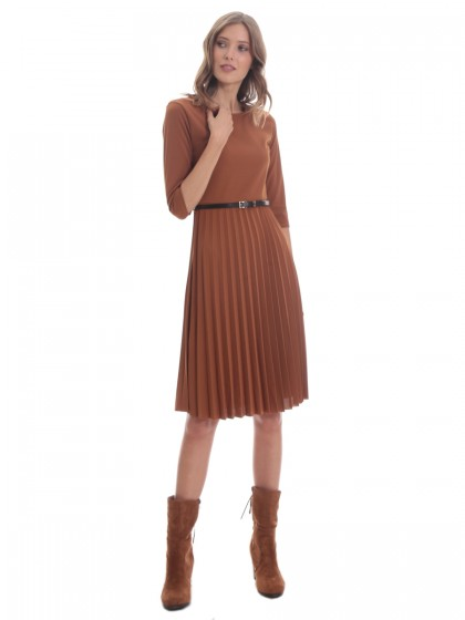 Φόρεμα κρεπ πλισέ ζώνη